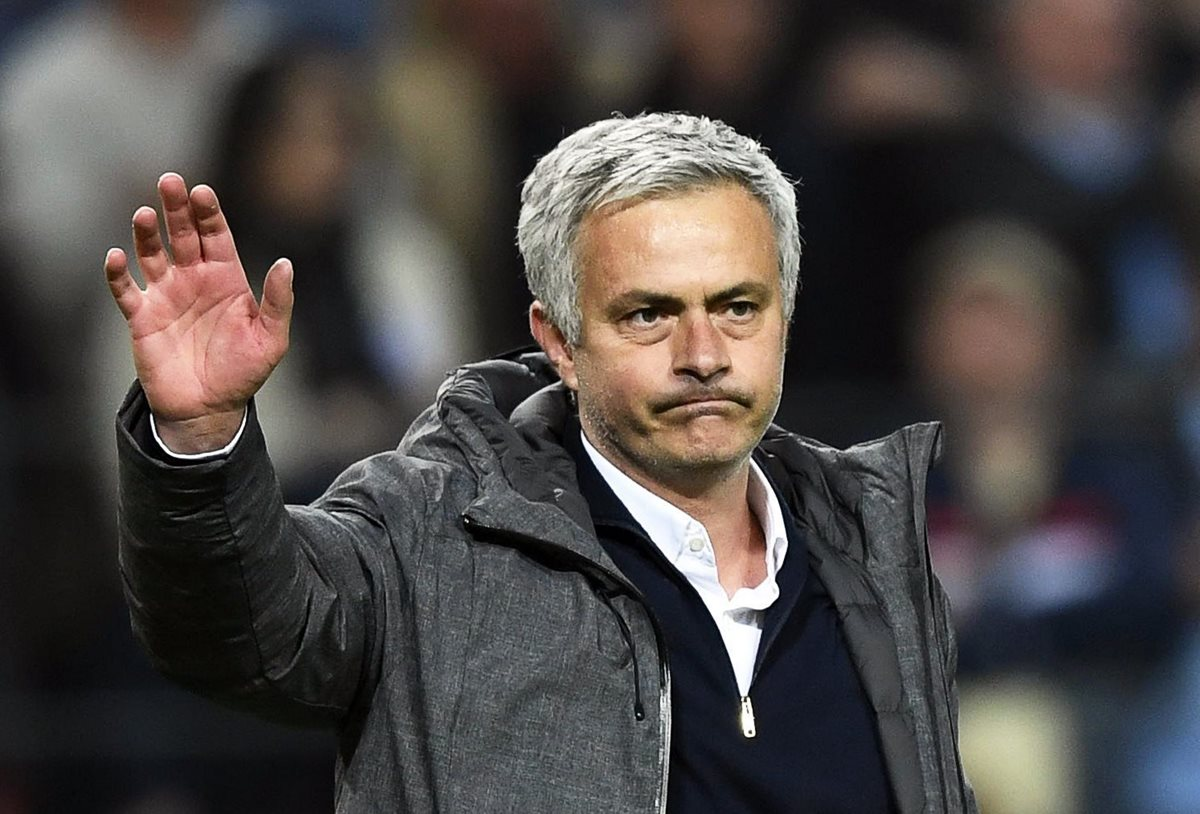 Denuncian a Mourinho por presunta evasión de €3.3 millones