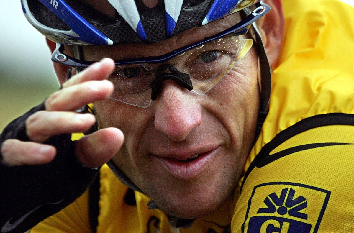 Lance Armstrong tendrá que pagar una millonaria multa. (Foto Prensa Libre: AFP)