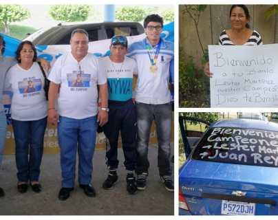 Los boxeadores Léster Martínez y Juan Reyes son recibidos en Petén con cariño y orgullo