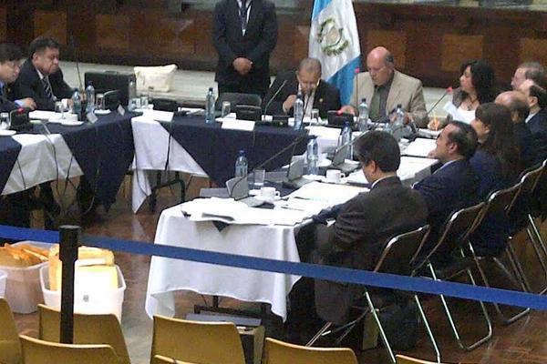 La reunión se desarrolla en la Corte  Suprema de Justicia. (Foto Prensa Libre: Hugo Alvarado)