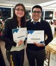 María José Longo y Raúl Juárez fueron reconocidos por el Club de Prensa Independiente de Xela. (Foto: Cortesía)