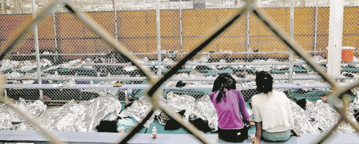 Un total de 400 niños migrantes aún permanecen bajo custodia del Gobierno estadounidense, a la espera de ser reunificados. (Foto Prensa Libre: Hemeroteca PL)