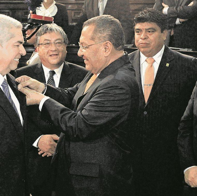 Luis Rabbé al ser juramentado presidente del Congreso en enero de 2015. (Foto Prensa Libre: Hemeroteca PL).