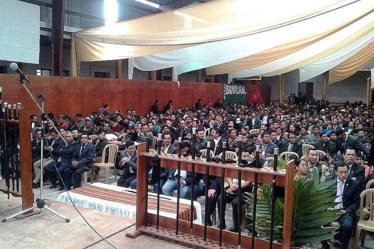 Centenares de personas asisten a las convocatorias de líderes comunitarios de 48 Cantones. (Foto Prensa Libre: Hemeroteca PL)