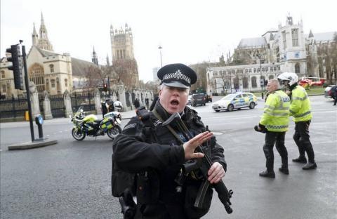 La Policía detiene a siete personas por ataque en Londres