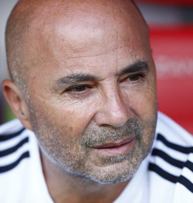 Sampaoli fue criticado por su planteamiento táctico. Tres de los jugadores que llevó a Rusia 2018 no disputaron ni un solo minuto en la Copa del Mundo. (Foto Prensa Libre: AFP)