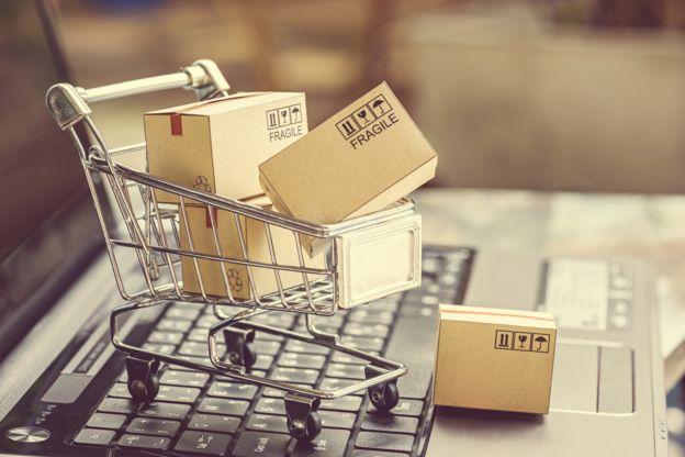 Mudarse a otro país puede ser más fácil si sabes cómo vender tus cosas por internet. GETTY IMAGES