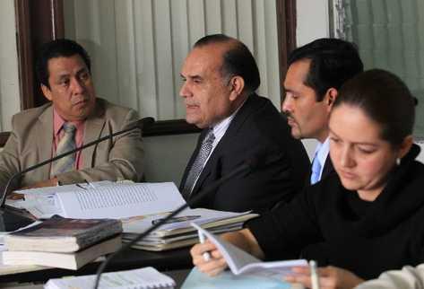 mario fernando Peralta Castañeda, juez de la Niñez y la Adolescencia en Escuintla, quedó ligado a proceso penal.