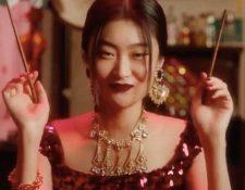 Dolce & Gabbana vuelve a estar envuelto en la polémica (Foto Prensa Libre: YouTube / Dolce & Gabbana).