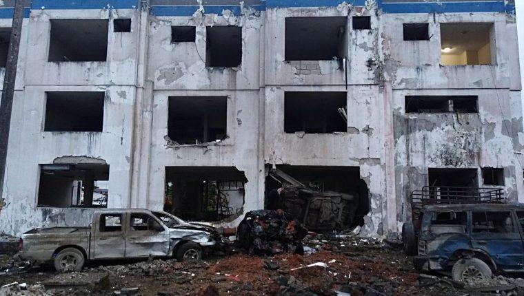 Así quedó la estación de policía de Ecuador, luego de la explosión de un artefacto. (Foto Prensa Libre: Policía Ecuador)