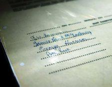 Se vende el primer contrato de Los Beatles, que corresponde a la sesión para grabar el sencillo My Bonnie. (Foto Prensa Libre: AFP)