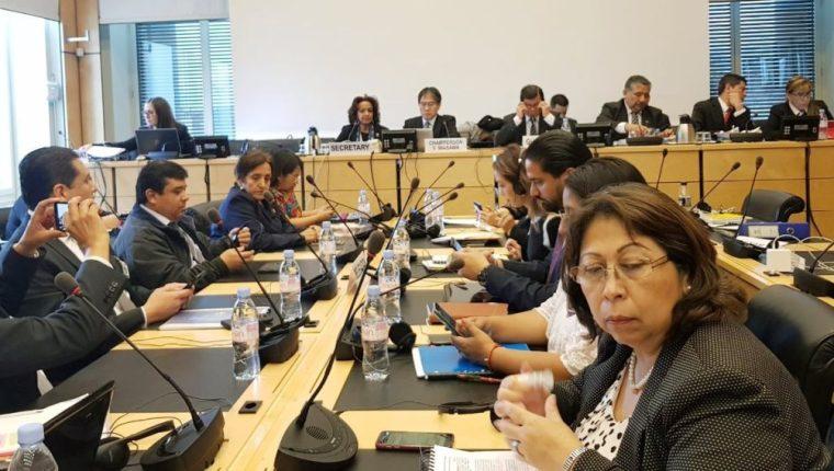 La delegación de Guatemala participa en una de las reuniones en Ginebra, Suiza, como parte de la agenda de trabajo ante el Comité de Derechos Humanos de la ONU. (Foto Prensa Libre: ONU)