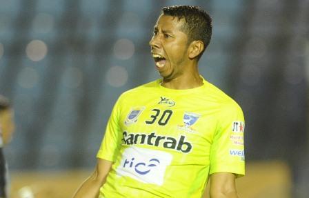 Juan José Paredes fue pieza clave para que Suchi eliminara a los cremas en la llave de reclasificacion a las semifinales. (Foto Prensa Libre: Francisco Sánchez).