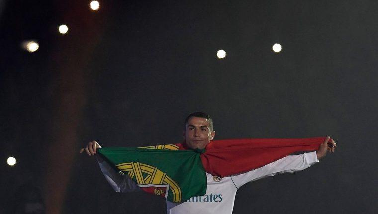 Las declaraciones de Cristiano Ronaldo empañaron el festejo de los seguidores del Real Madrid. (Foto Prensa Libre: AFP)