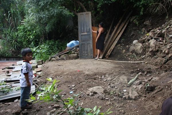 Vivienda dañada por la lluvia en el Los Cerritos, aldea San Cristóbal el Bajo, Antigua Guatemala, Sacatepéquez. (Foto Prensa Libre: Renato Melgar).