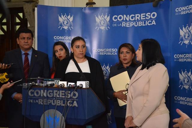 El pasado 30 de octubre cinco diputados presentaron una iniciativa de ley que ha sido muy criticada por su contenido. (Foto Prensa Libre: Hemeroteca PL)