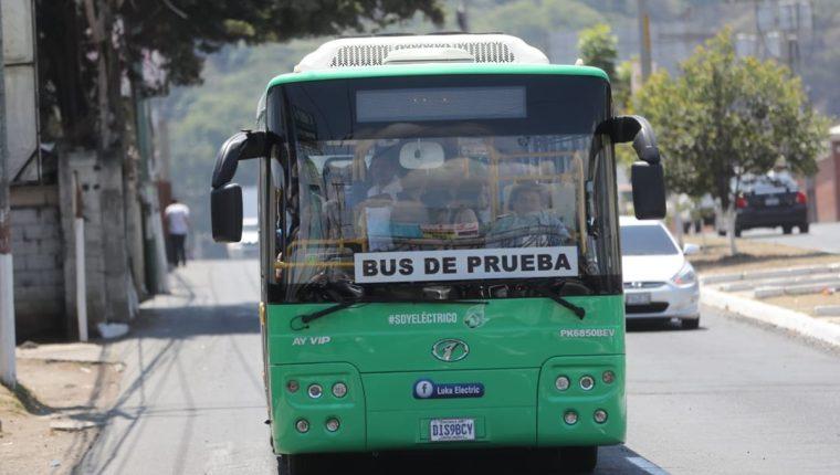 Luka Electric tiene programado 15 días de pruebas para el bus eléctrico en la ruta del Express Naranjo. (Foto Prensa Libre: Erick Ávila)