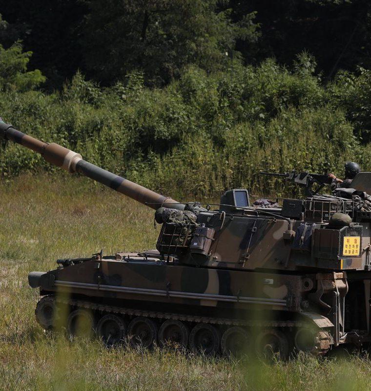 El ejército surcoreano realiza ejercicios en respuesta a la sexta prueba nuclear de Corea del Norte. (EFE).