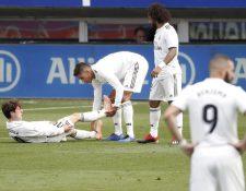 La decepción de los jugadores del Real Madrid fue notoria durante el partido. (Foto Prensa Libre: EFE)