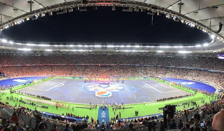 El estadio Olímpico de Kiev lució sus mejores galas para la final de la Champions League.