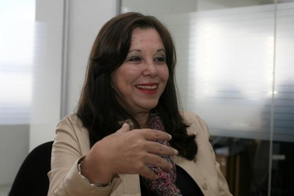 Escritora Carlos Zardetto