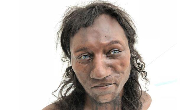 Piel oscura y ojos azules: así era el primer británico de hace 10.000 años del que se conservan restos.