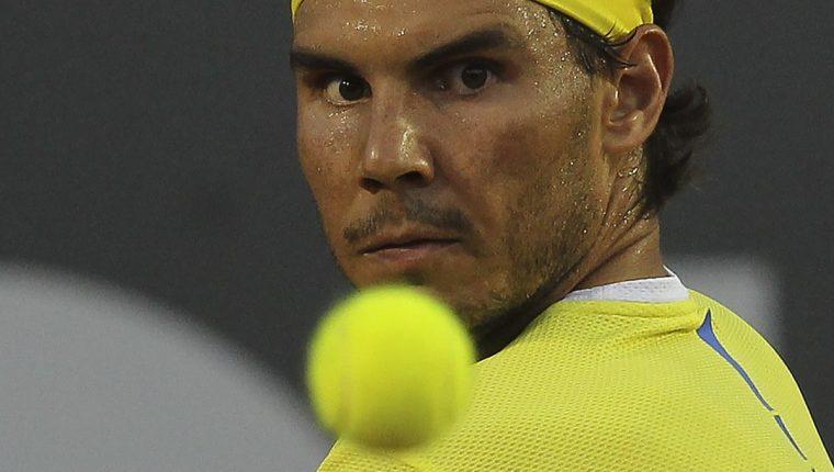 El español Rafael Nadal avanzó a semifinales del Abierto de Rio de Janeiro (ATP 500) sin pisar la cancha luego que el ucraniano Oleksandr Dolgopolov se lesionó el hombro. (Foto Prensa Libre: EFE)