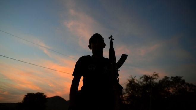 En muchas comunidades castigadas por la violencia acabaron surgiendo los denominados grupos de autodefensa. GETTY IMAGES