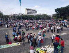 La mayoría de maestros que se presentaron a manifestar son de Alta y Baja Verapaz. (Foto Prensa Libre: E. Paredes)