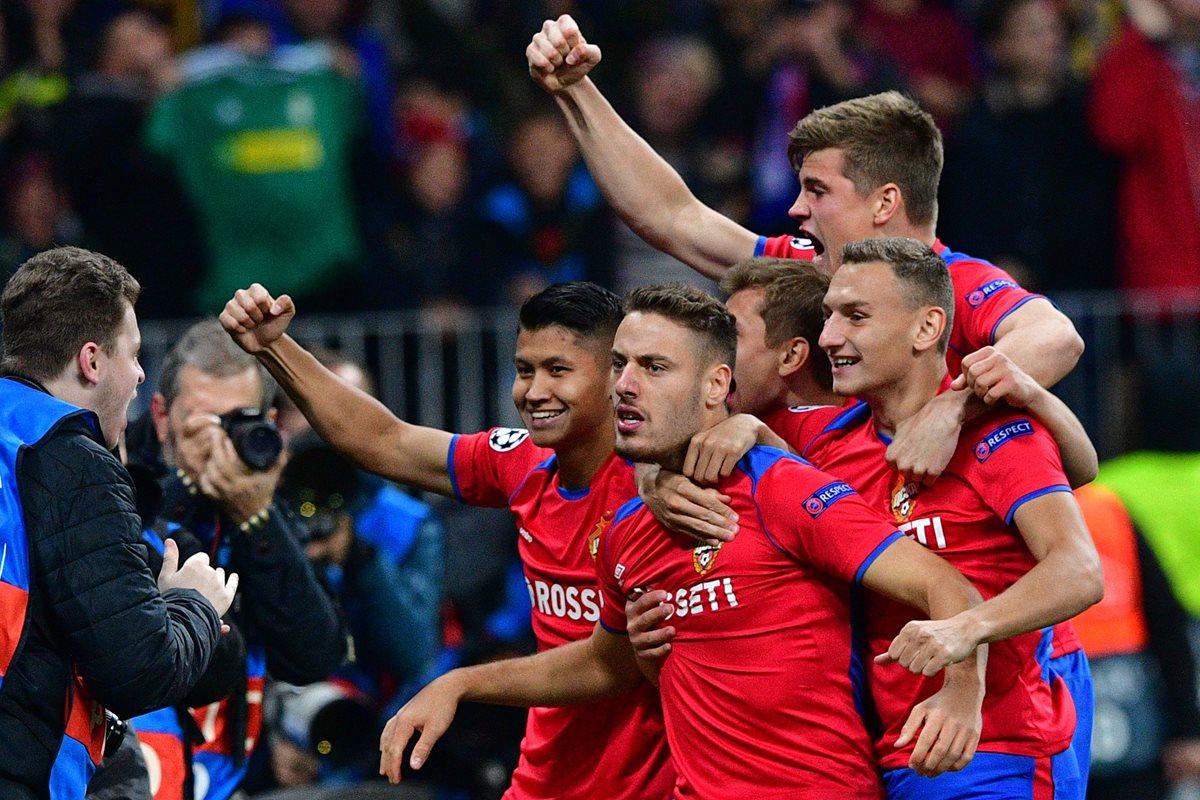 Los jugadores del CSKA Moscú festejaron así frente al Real Madrid. (Foto Prensa Libre: AFP)
