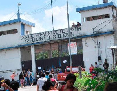 Autoridades afirman que la mayoría de extorsiones que se registran en el país son dirigidas desde las cárceles. (Foto Prensa Libre: Hemeroteca PL)