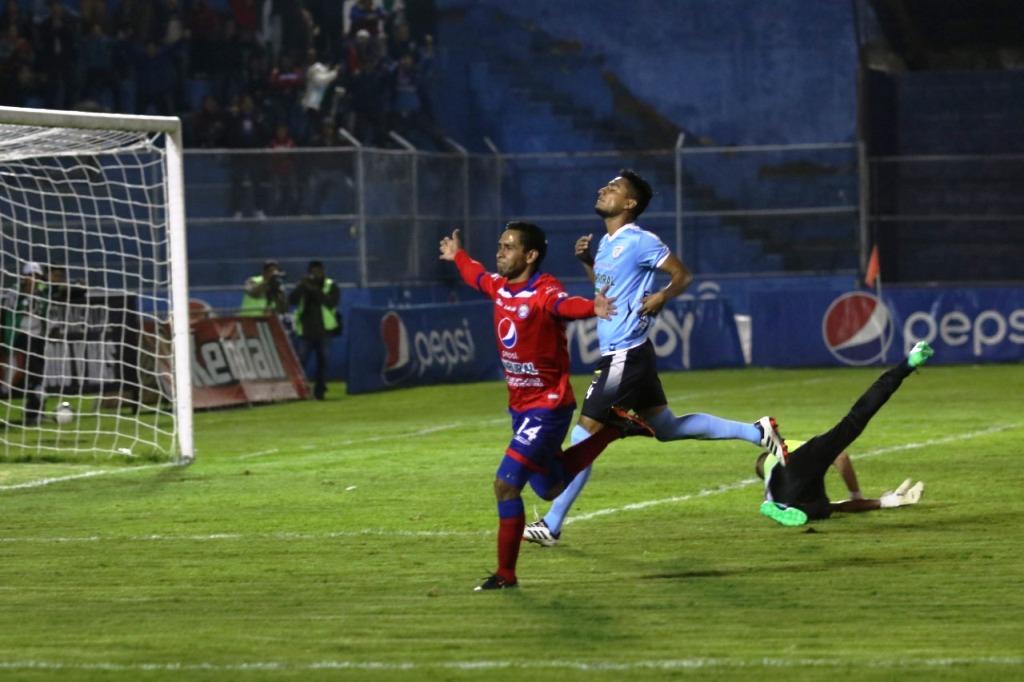 Xelajú con la victoria de esta noche es sublíder en la tabla del Torneo Apertura 2018. (Foto Prensa Libre: Raúl Juárez)
