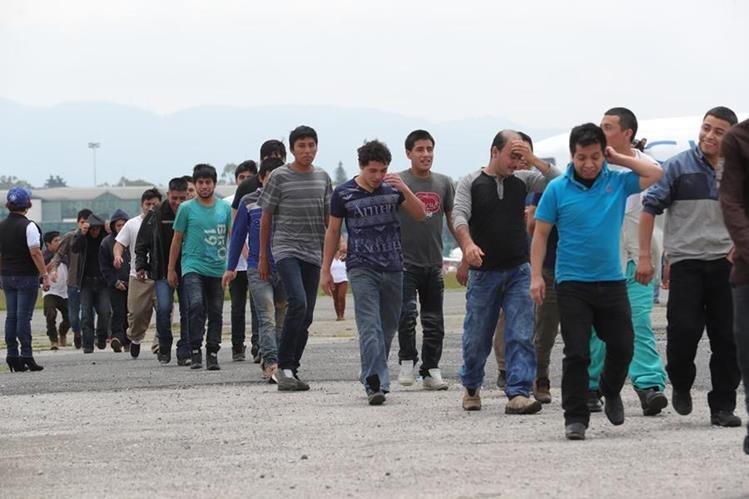 Las deportaciones de guatemaltecos desde EE. UU. aumentaron el 49 por ciento, ese indicador refleja el que pese a inversiones en la región hay migración. (Foto Prensa Libre: Hemeroteca PL)