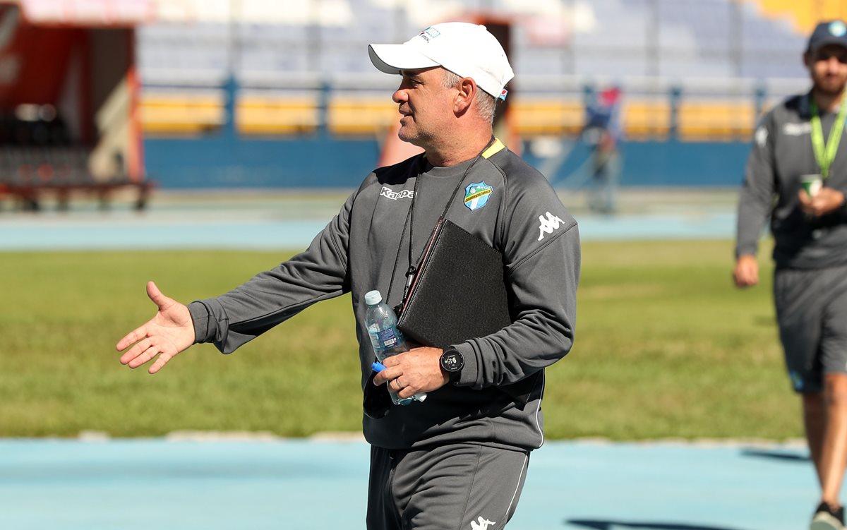 Willy Coito Olivera, técnico de Comunicaciones, busca el título número 31 del club. (Foto Prensa Libre: Jeniffer Gómez)