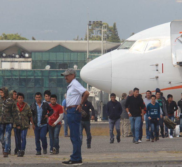 Cada año miles de guatemaltecos son deportados desde EE. UU. (Foto Prensa Libre: Hemeroteca PL)