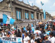 El 15 de septiembre último, varios sectores se manifestaron contra la corrupción, el presidente Morales y los diputados. (Foto: Hemeroteca PL)