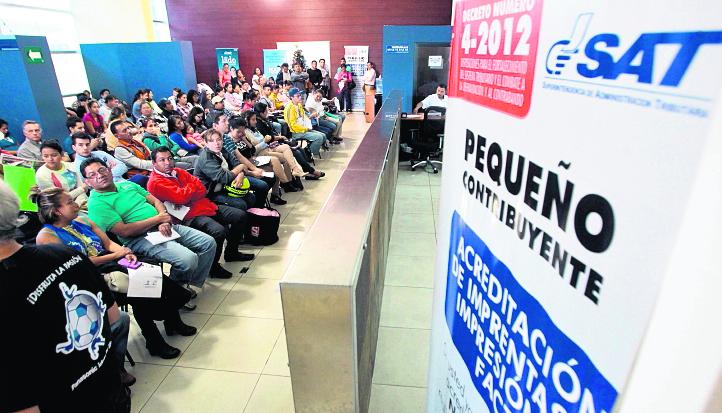 La SAT requiere atención inmediata para empezar con mejora del fisco, según analistas. (Foto Prensa Libre: Hemeroteca PL)