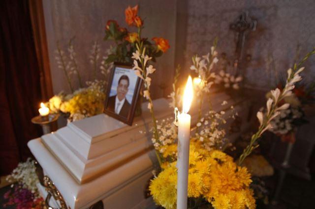 Velan en Palencia a víctimas de bombazo