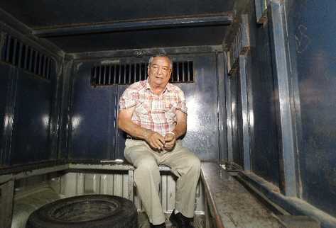 waldemar lorenzana es trasladado a una celda del Cuartel de Matamoros, zona 1, en un vehículo del Sistema Penitenciario.
