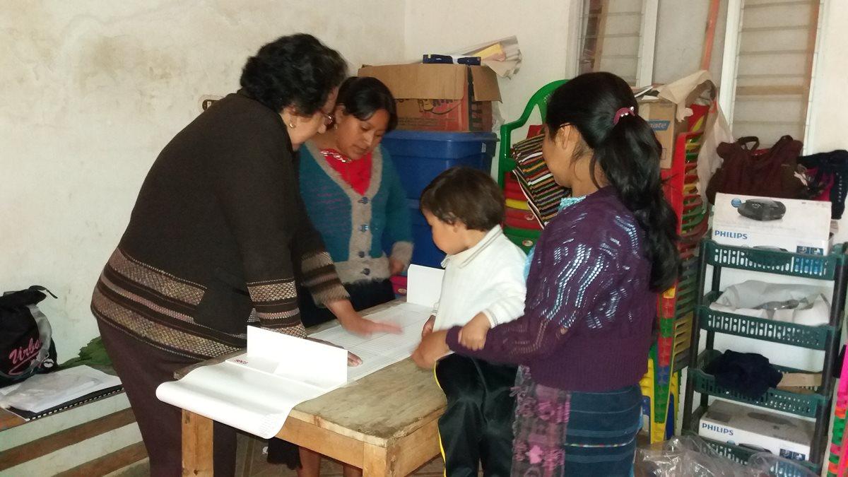 Las mujeres emprendedoras desarrollan trabajos que apoyan el desarrollo. (Foto Prensa Libre)