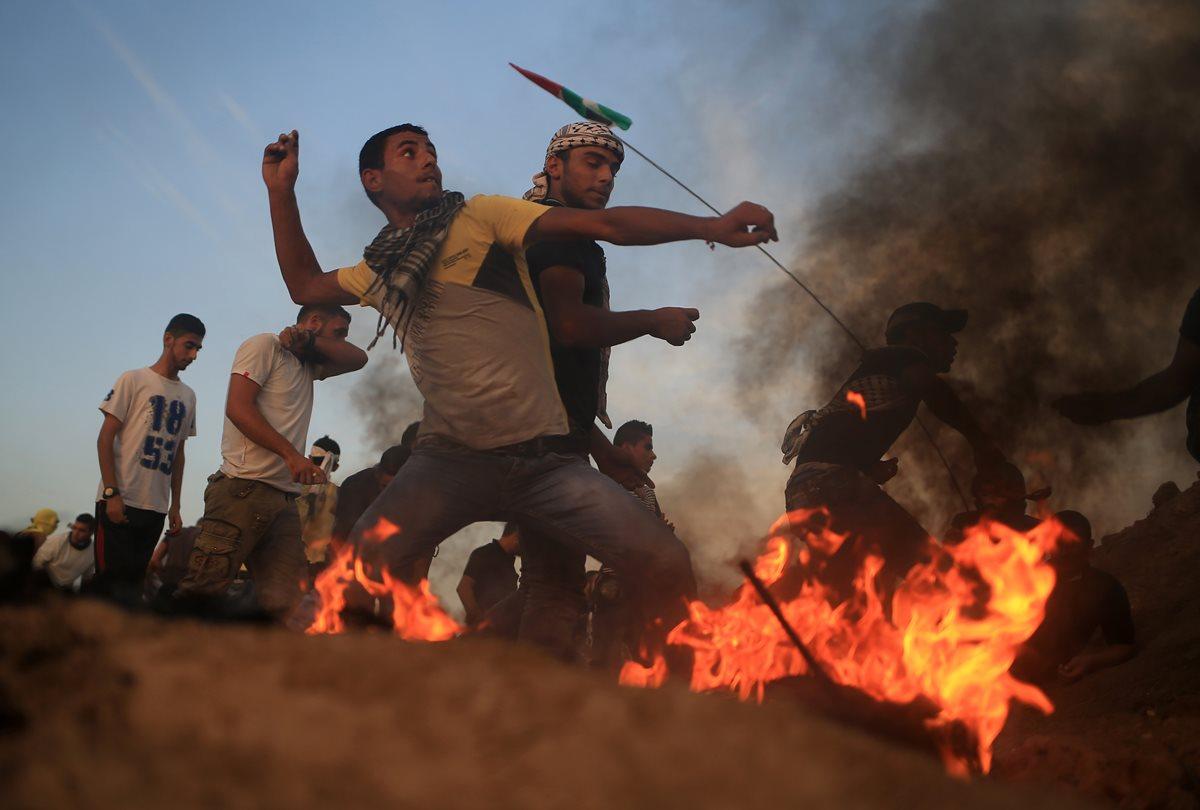 La lucha desesperada de los jóvenes de Gaza