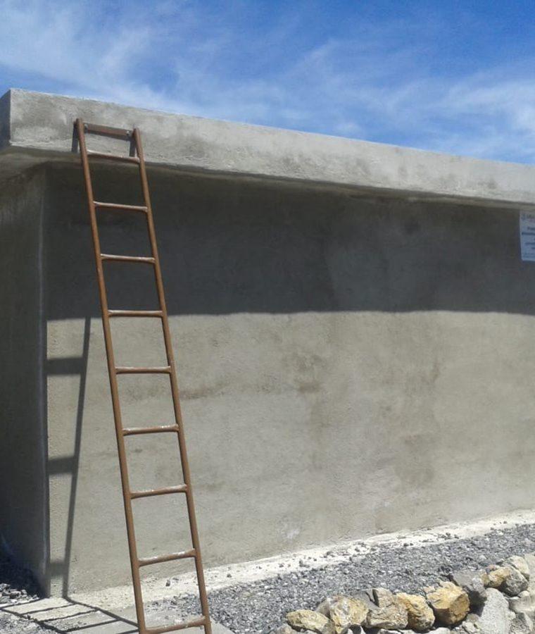 Los captadores de agua comunitarios tienen capacidad para 80 mil litros de agua.(Prensa Libre: cortesía)