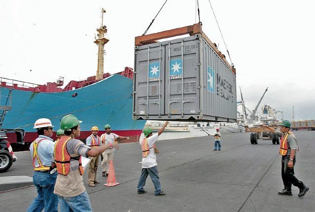 El 79.5% del comercio exterior fue movilizado por el sistema portuario en el 2016. (Foto Prensa Libre: Hemeroteca)