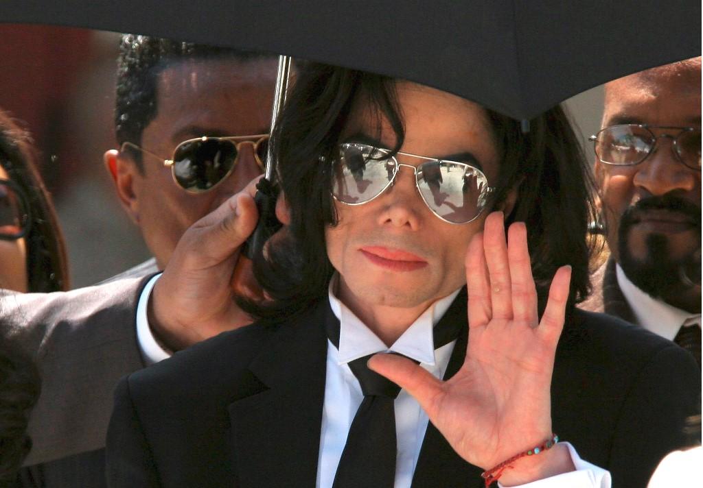 Warner Bros realizará serie de televisión de Michael Jackson