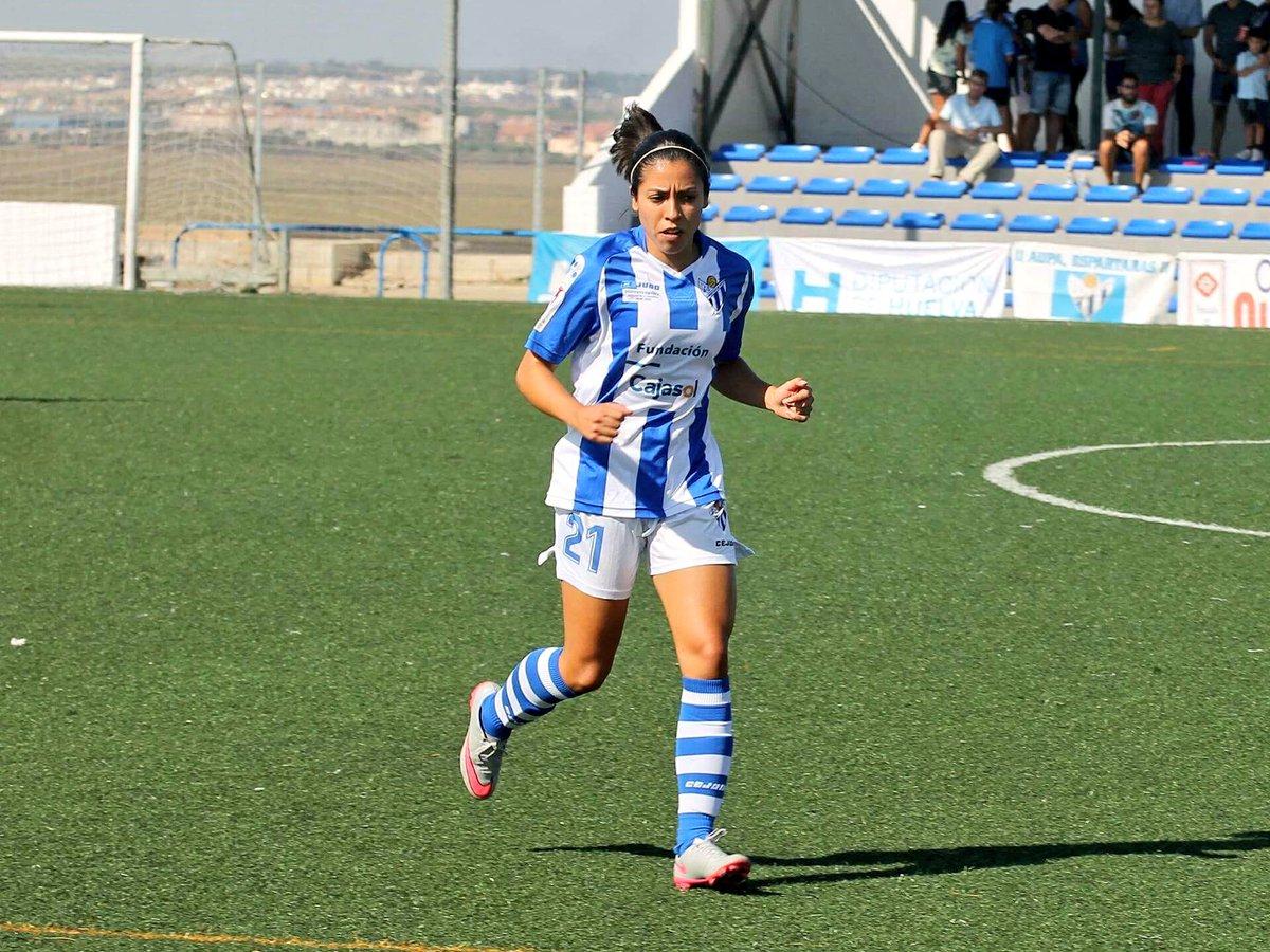 Ana Lucía Martínez sigue demostrando en España que es la mejor futbolista guatemalteca. (Foto Prensa Libre: Ana Lucía Martínez/Twitter)