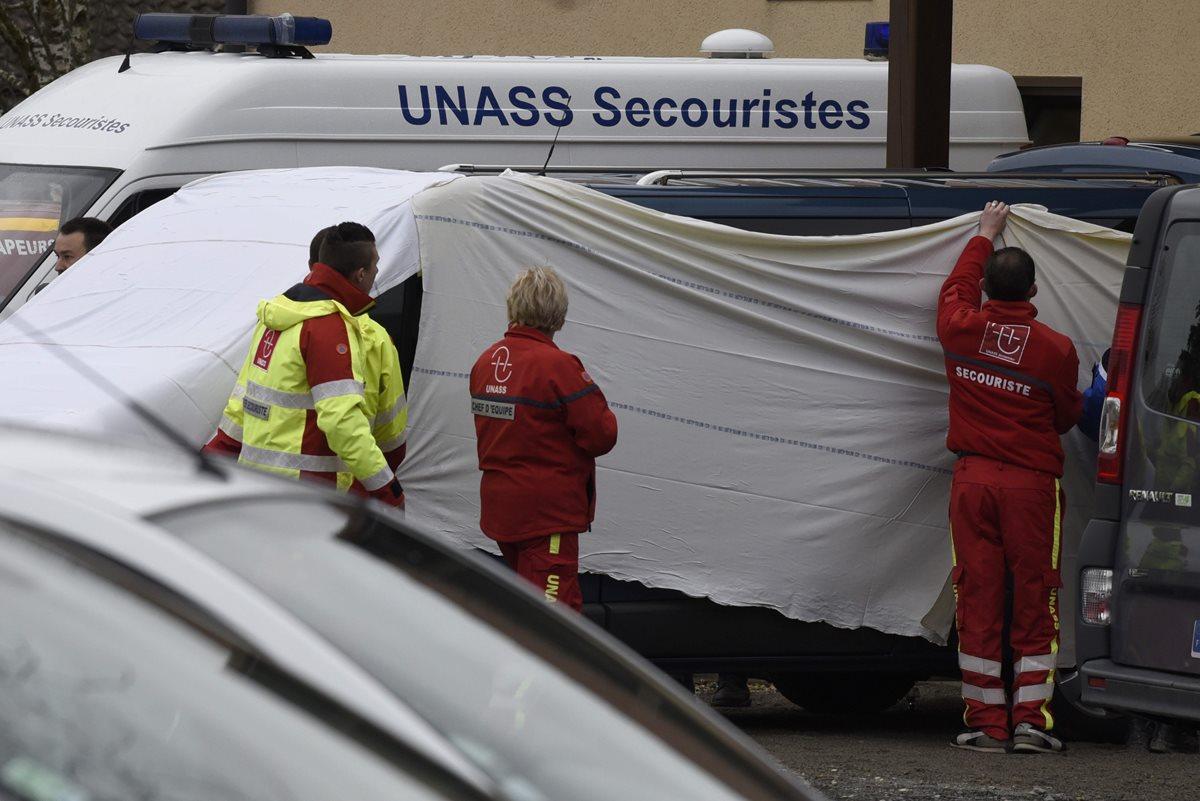 Mueren 12 portugueses en choque de autobús en Francia