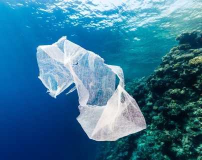 Impondrán multas de Q5 mil a quien comercialice bolsas de plástico en San Andrés Semetabaj
