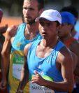 Érick Barrondo se mantiene lejos de los primeros lugares en la prueba de los 20 kilómetros. (Foto Prensa Libre: Jeniffer Gómez)