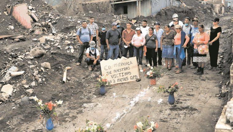 La actividad del Volcán de Fuego ha puesto en evidencia los riesgos con los que viven numerosas comunidades. (Foto Prensa Libre: Hemeroteca PL)