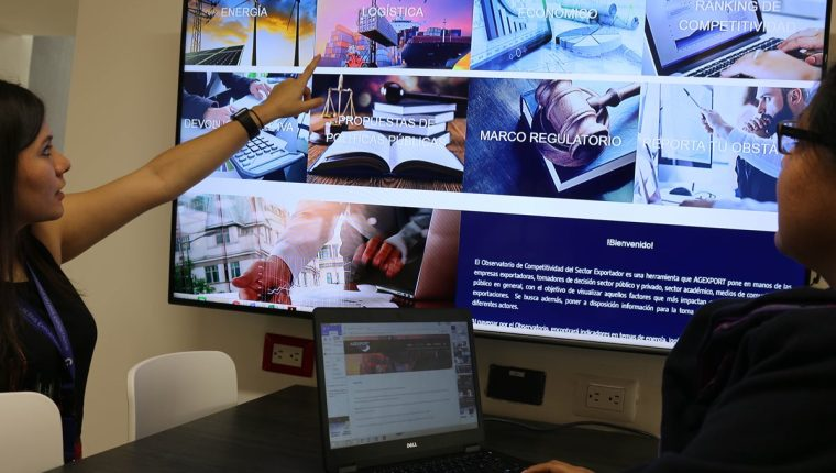 Con diversas herramientas se busca mejorar la información y competitividad. Entre ellos el Observatorio de Competitividad del Sector Exportador, lanzado por Agexport este viernes. (Foto, Prensa Libre: Agexport).